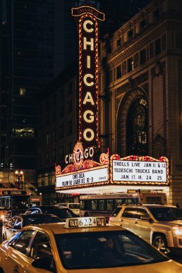 Paola-lattarini-destination-wedding-elopement-photographer-travel-blog-photography-chicago-USA-exploring-blues-street-traveling-9